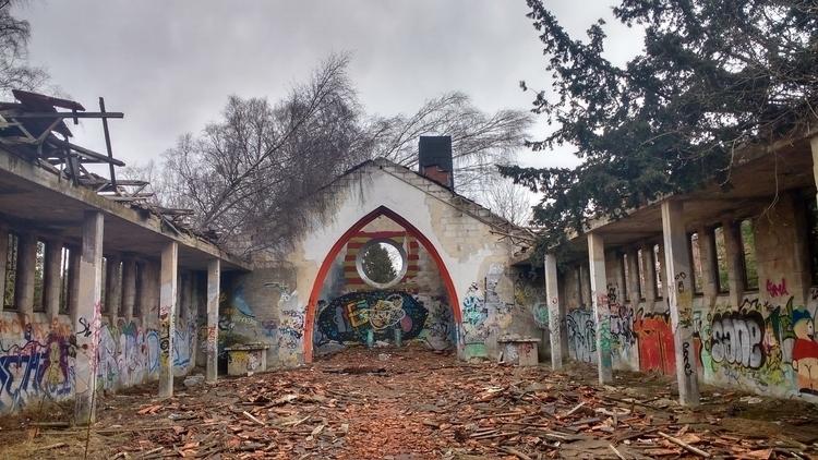 Camp Hitfeld, Germany - woodbass   ello
