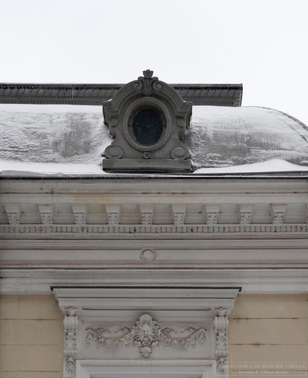 Urban pastels snowfall: dr. Dim - memorie_urbana   ello