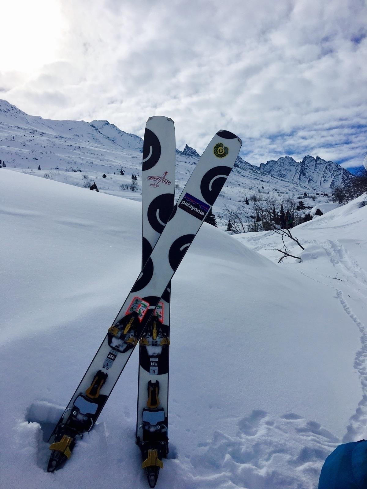 Long due live Alaska, skis soli - tobyharriman | ello