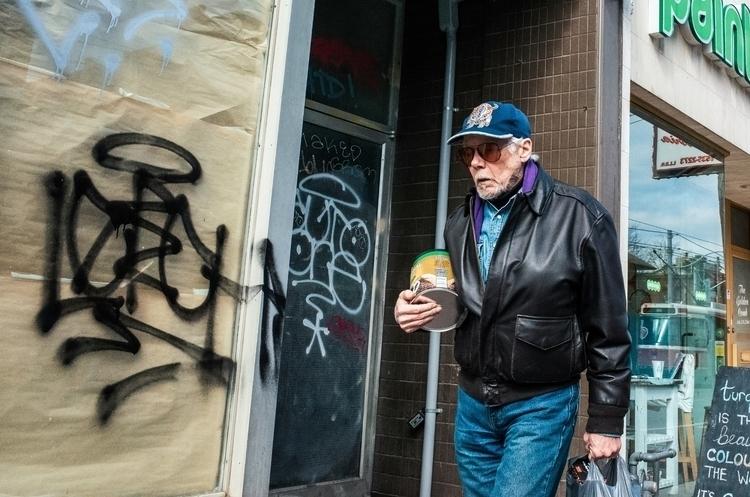 Dude paint | Toronto - streetphotography - seanrasmussen | ello