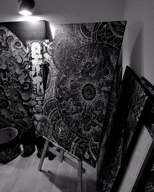 beautiful deep tones.  - leica, black - yellabor | ello
