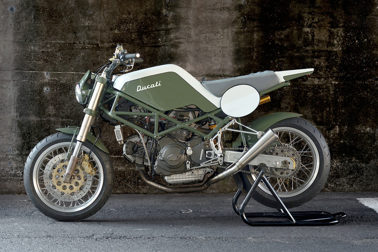 Monster Tracker: Ducati M900 - motorcycles - red_wolf | ello