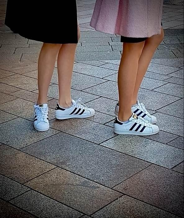 twins, downtown, Geneva - Legs, City - ziolele | ello