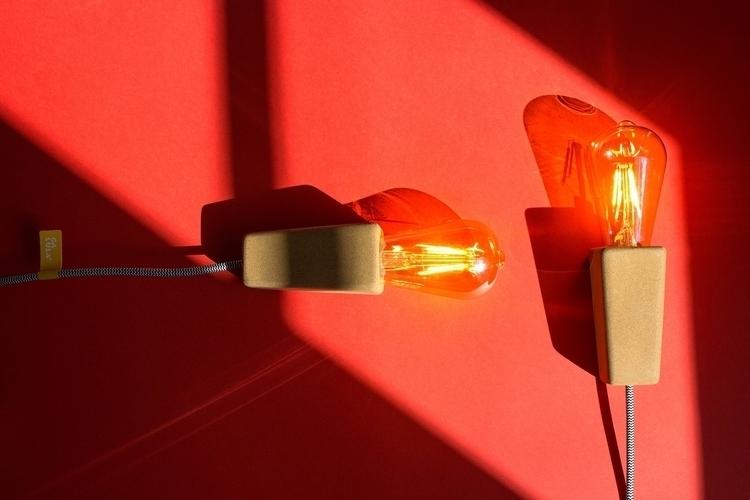 'Magneto' lamp cork table wall  - galula   ello