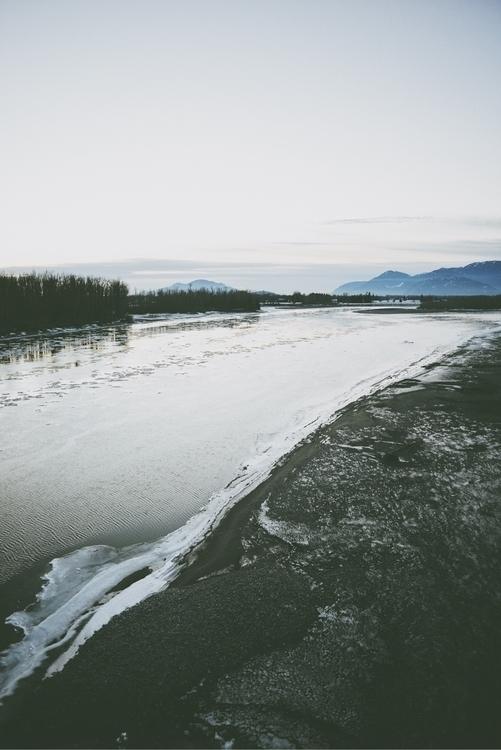Frozen shores Fraser. Chilliwac - davidarias   ello