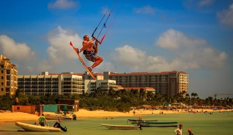 kitesurfing, Aruba - melvin1401 | ello