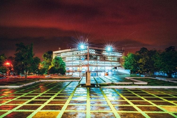 Plaza de Los Mártires - Guatemala - solipsista | ello
