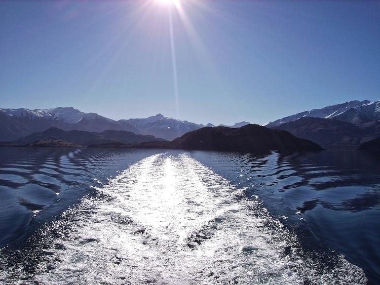 Lake Wanaka, Winter - controlledaccident   ello