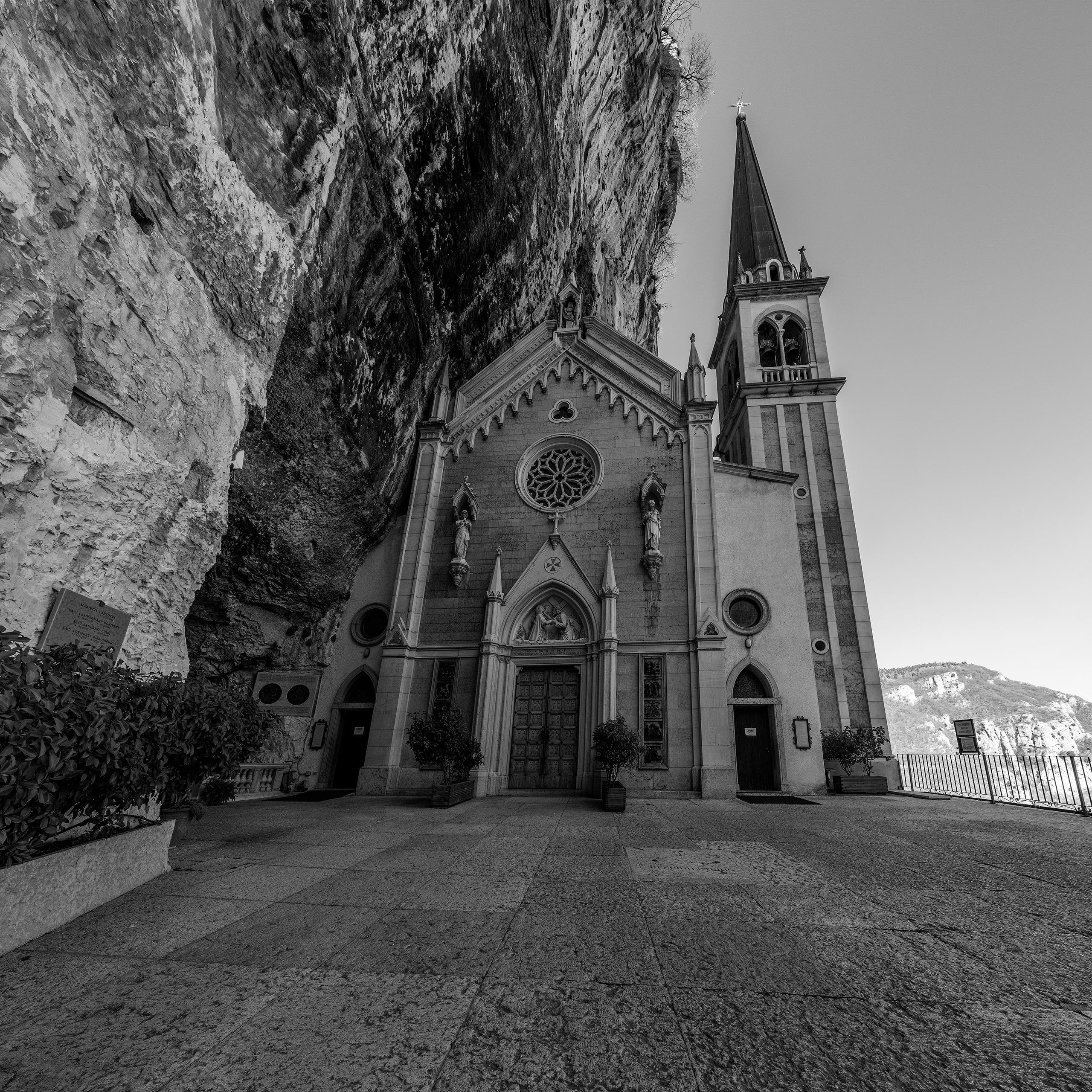 Santuario Madonna della Corona - christofkessemeier | ello