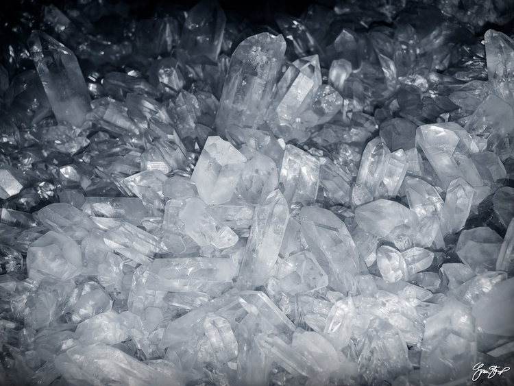 Quartz Crystal Olympus DSLR - digital - ginastartup | ello
