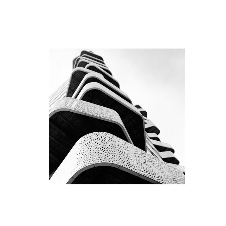 24H Architecture - monique2211 | ello