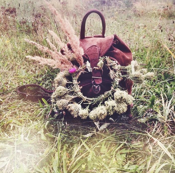 Call Flower Crown Queen! FANIE  - fanieroux | ello