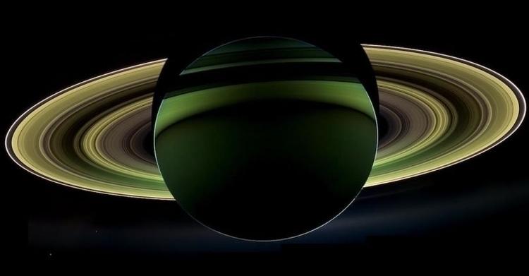 Saturn Cassini, 18 December 201 - peligropictures | ello