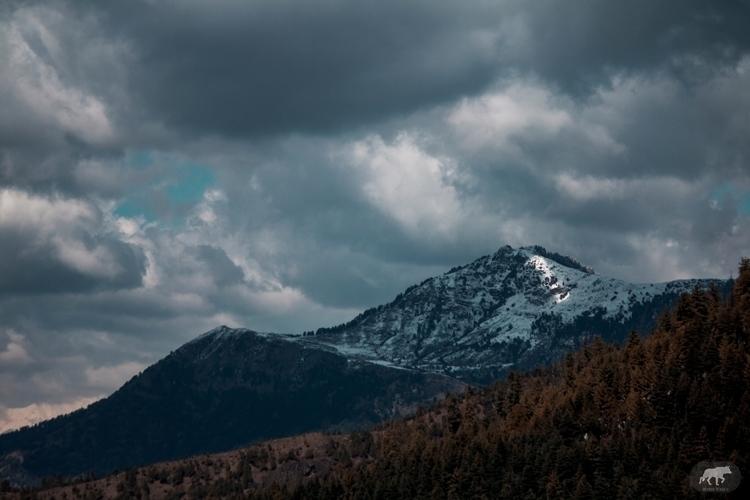beauty roads mountains graduall - aryamanpathania | ello