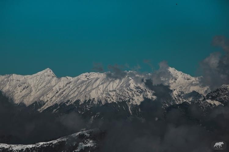 lonely traveler vast landscape - aryamanpathania | ello