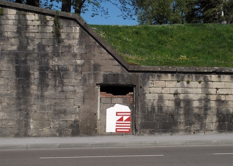 Monday morning action Besançon - eltono | ello