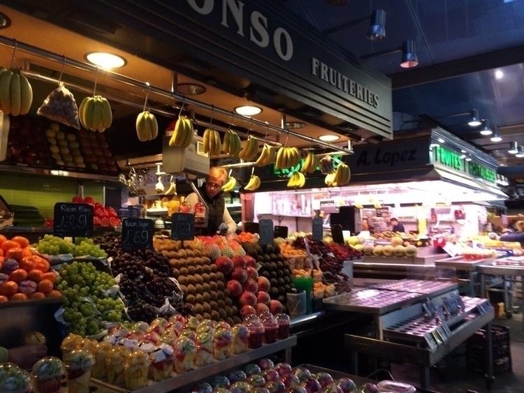 Spain, market, fruit, morning - kuru_ | ello