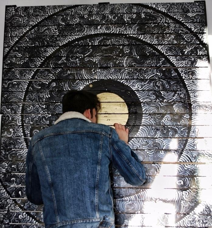 ARTWORK checking decent photos  - yellabor | ello