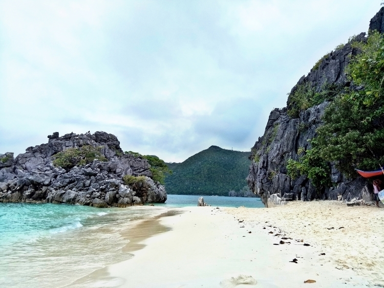 Matukad Island - Philippines, Beach - rheaiyah | ello