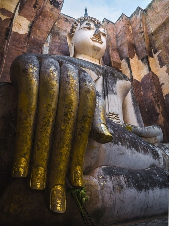 Wat Si Chum Preaching Buddha Su - travischau | ello