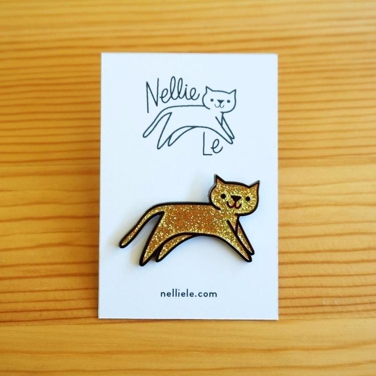 Gold Sparkle Cat Pin - nellie   ello