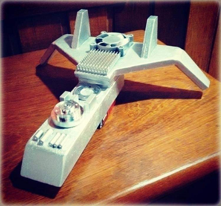 Spacecraft wood scrap - spacecraft - massanori   ello