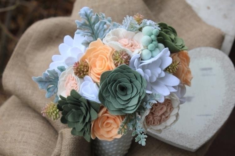Felt flower bridal bouquet. flo - elleandlu | ello