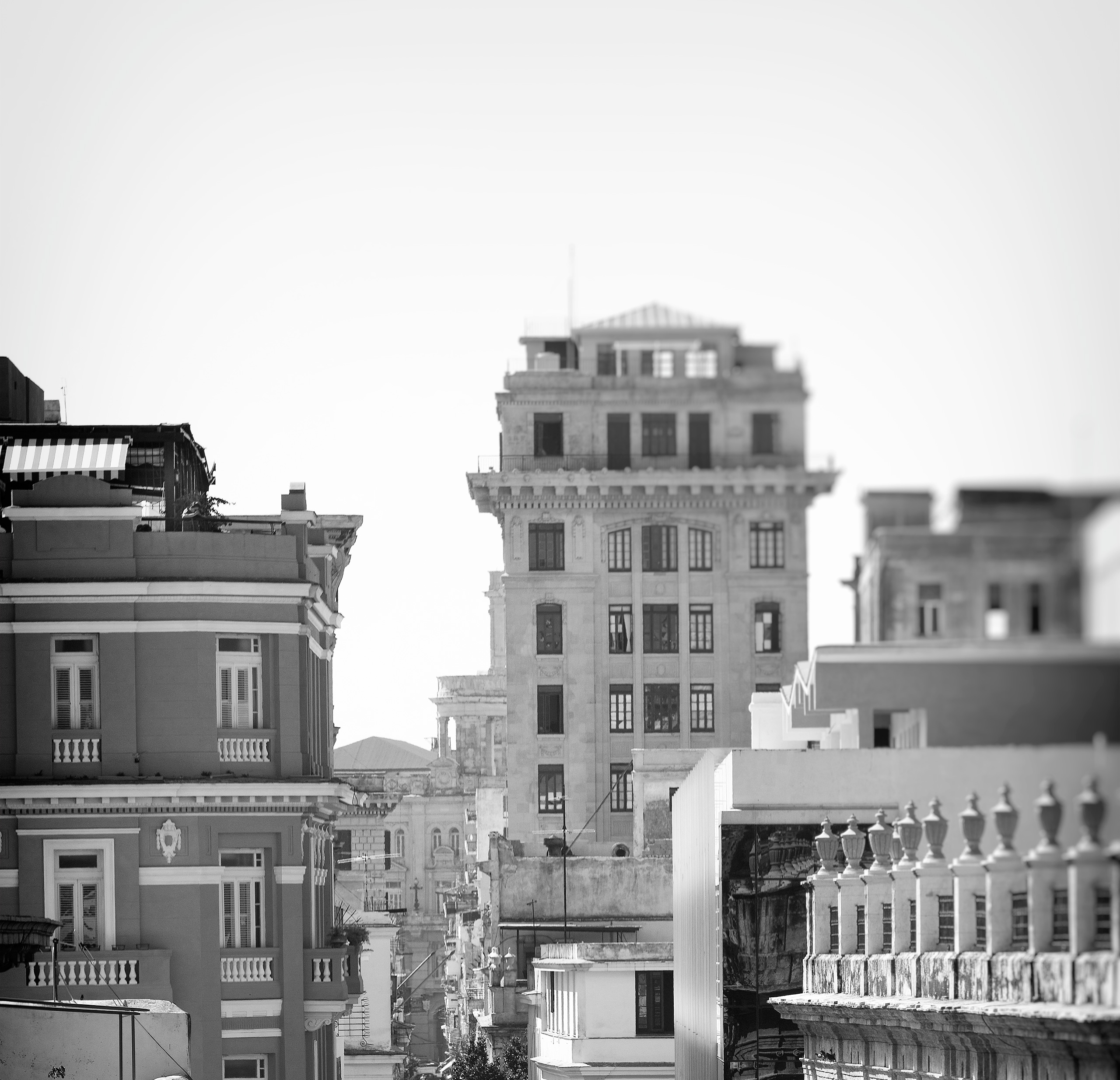 cityscape vertical - Habana, Cuba - christofkessemeier | ello