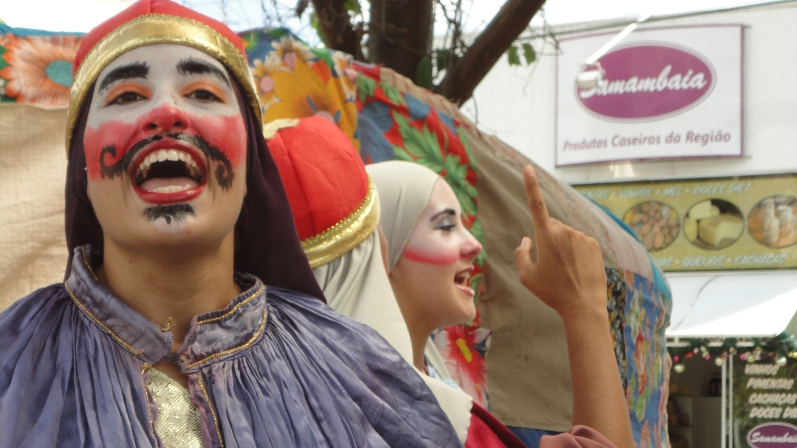 Street theatre Massanori Takaki - massanori   ello