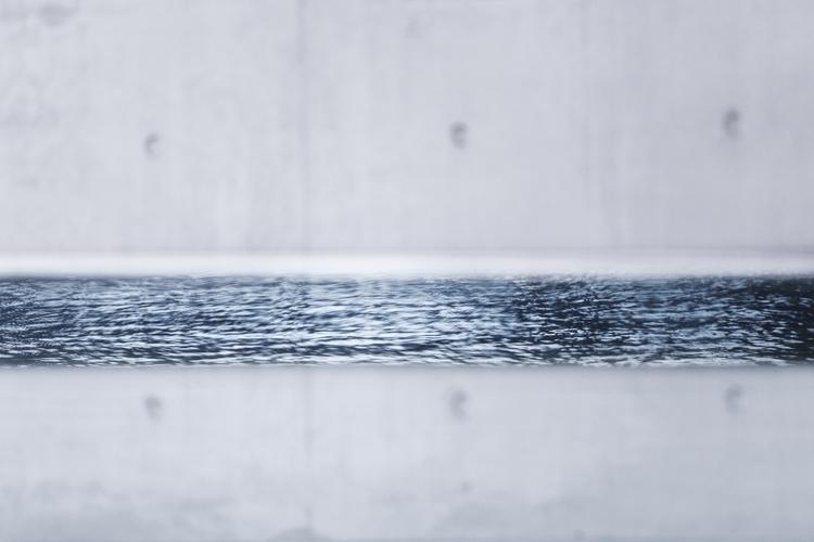 BORDERS detail view water refle - ellebasi | ello
