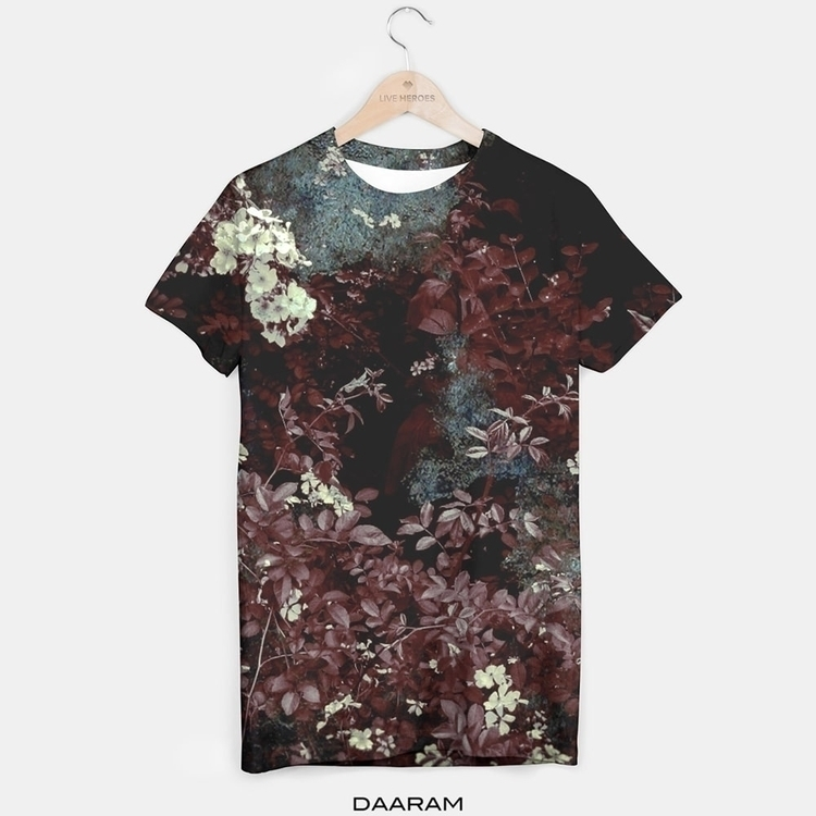 Homage_tee shirt: photos flower - daaram | ello