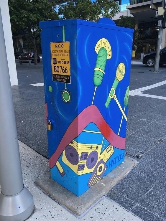 Radio Brisbane Traffic Signal B - hacklock | ello