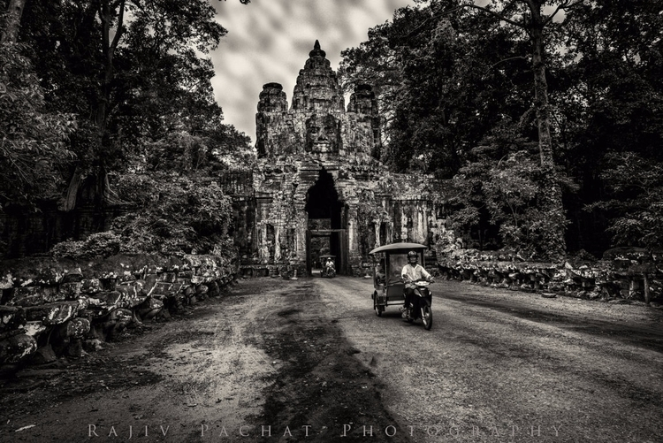 Tuk Angkor Thom. Captured Nikon - morpheus2004 | ello