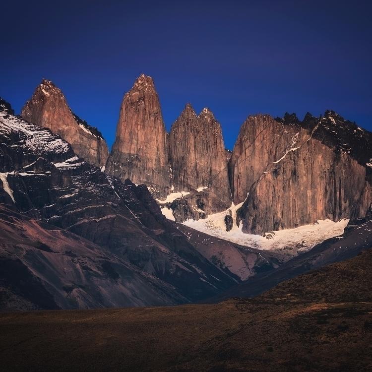 mighty Torres del Paine massive - felixinden | ello