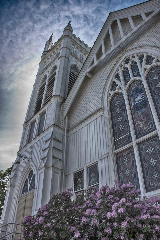 Whitespires historic church Alb - retroyeti | ello