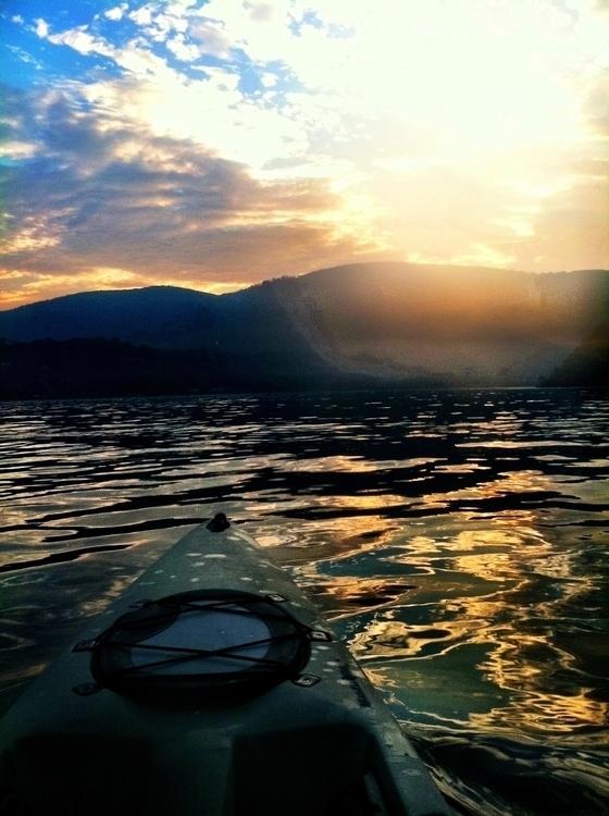 Kayaking Hudson - Kayak, hudsonriver - lisaaida | ello