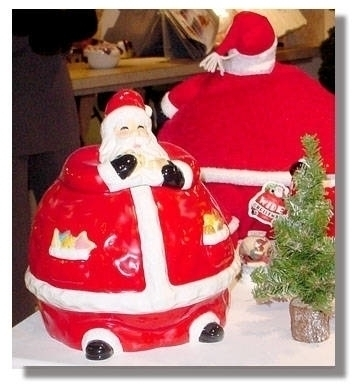 Santa ceramic cookie jar-FIGI G - sstruck | ello
