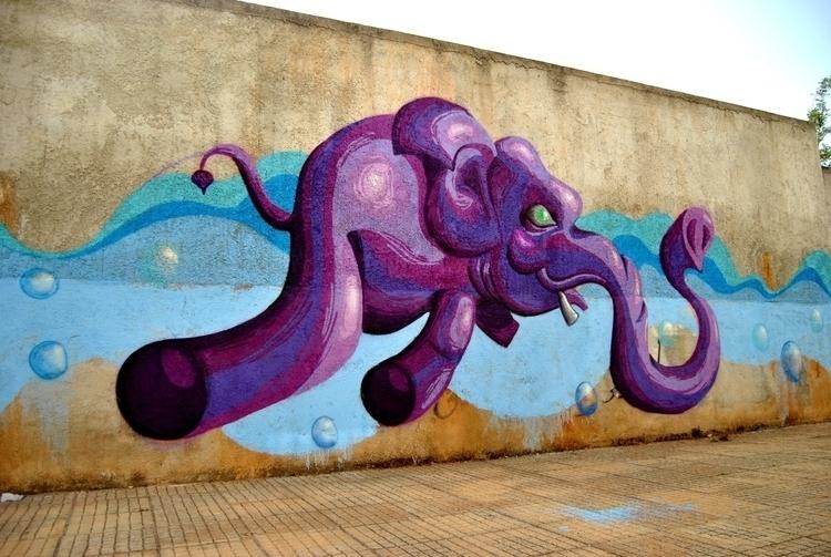 Elephant experiment, 2013 - graffiti - kaiman-6057   ello