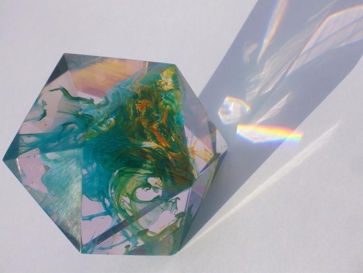 Flow Shape 2 - resin, sculpture - smouss | ello