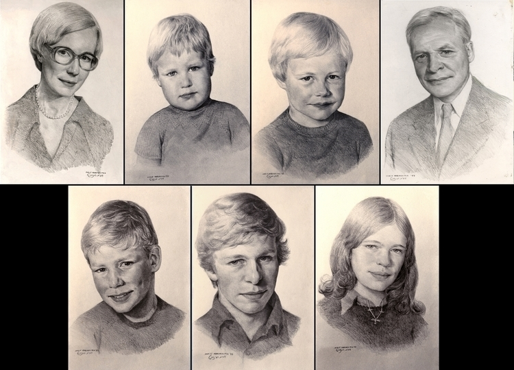 Family Portraits - pencildrawing - doritart   ello