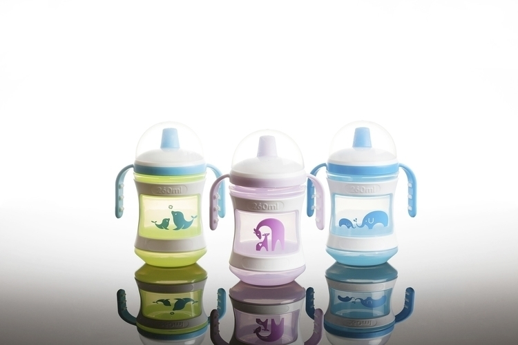 Tommee Tippee bottles - illustration - simonewhite-1036 | ello