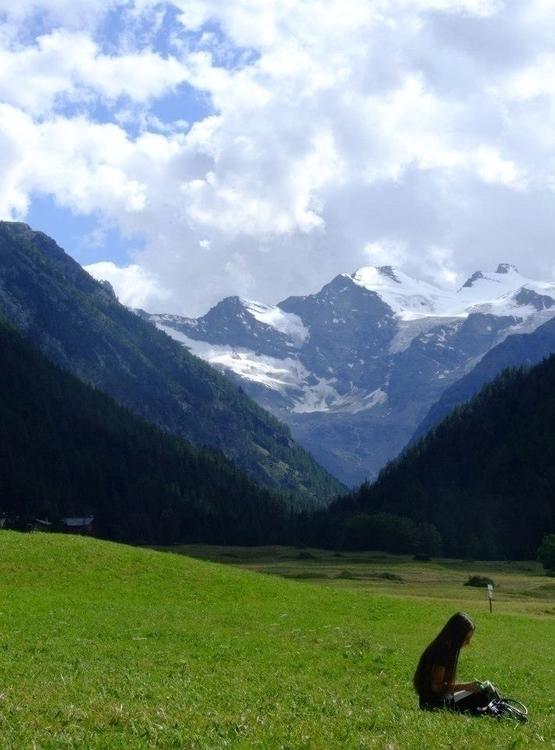 Unknown Girl Alpi - euric | ello