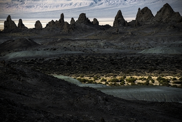 light Trona Pinnacles, Californ - frankfosterphotography | ello