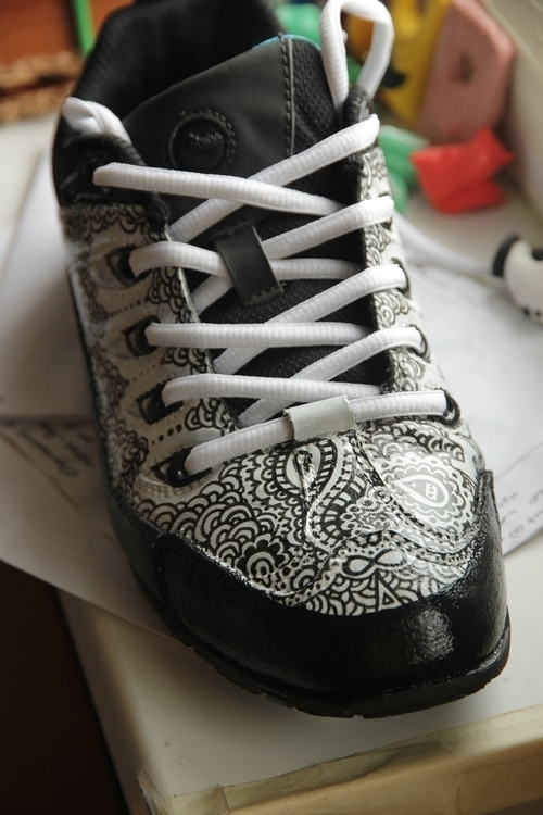 ..Zentangle shoes - drawing, craft - agama | ello