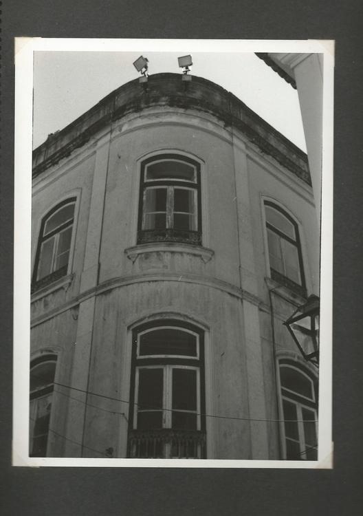 photography, blackandwhite, oldbuilding - marisa2794 | ello