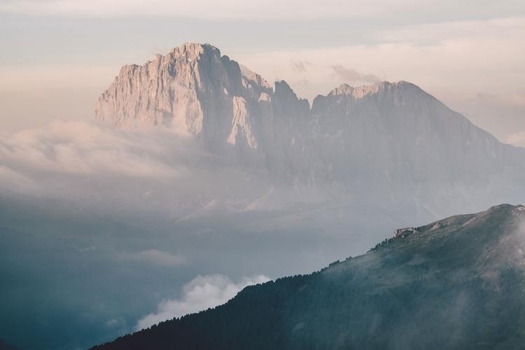 Langkofel (3,181m) highest moun - rawmeyn | ello