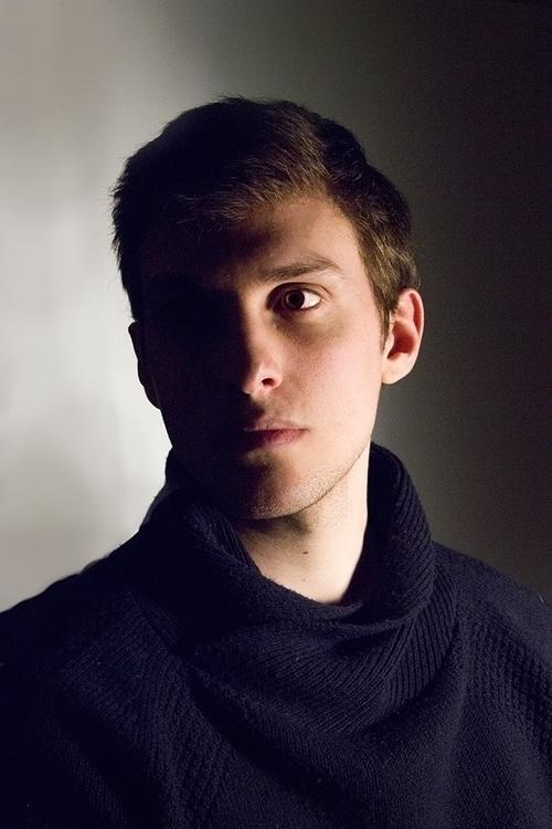 Chiaroscuro Portrait - photography - hellodie-8321 | ello