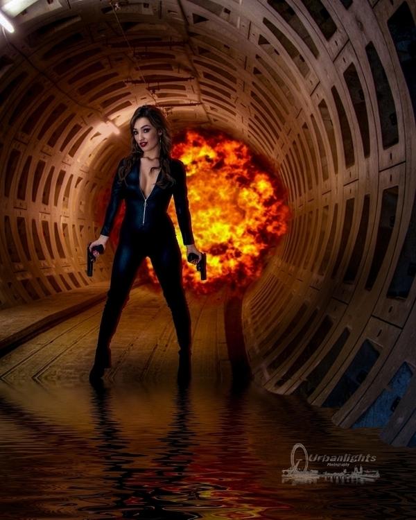 Jane Bond 007 - photography - urbanlights   ello