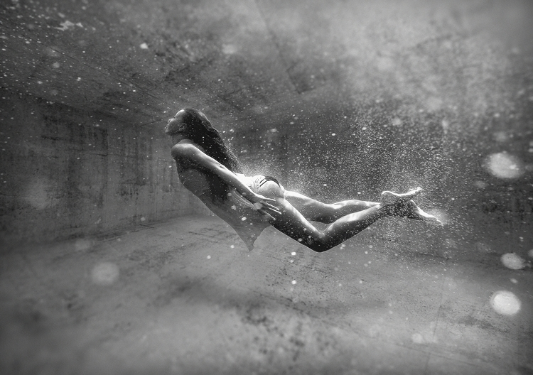 Apnea - surreal, swim, blackandwhite - rono-1165 | ello