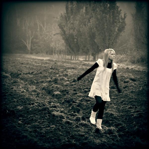 James McKenzie - photography, girl - jamesmckenzie   ello